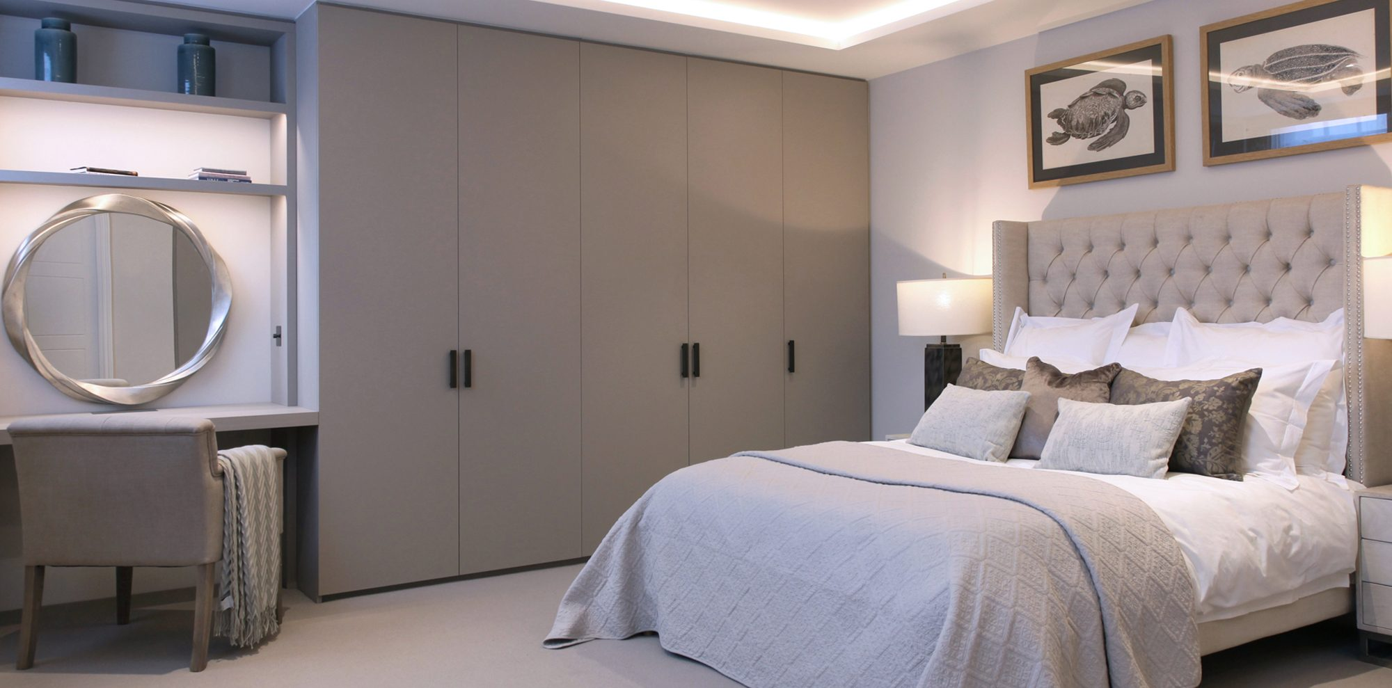 Bespoke fitted wardrobes in bedroom
